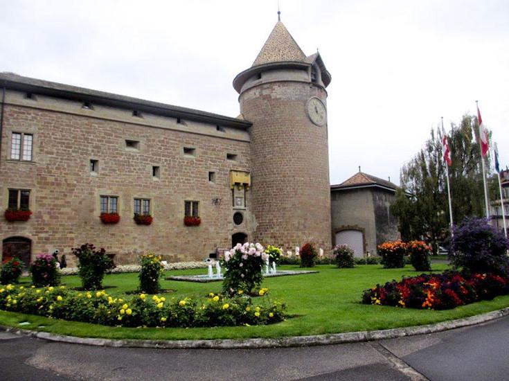 Photo Le château à proximité du port