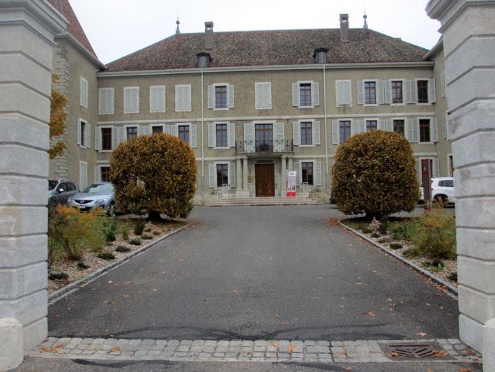 Photo La commune de Dardagny a reçu le prix Henri-Louis Wakker en 1978. Vue du château et la stèle