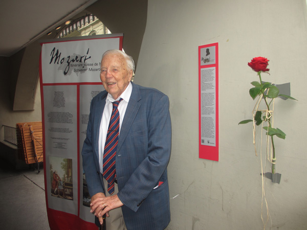 Foto Dank der grossen Verdienste von Dr. W.A. Meichle erhielt die Stadt Bern eine Mozarttafel