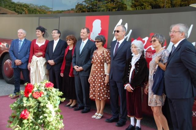 Foto Der «Mozartbus» wird eingeweiht