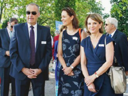 Foto Bundesrat Guy Parmelin mit Helen Bieri Thomson, Direktorin des Schlosses Prangins (Mitte) und Vice-Syndique Dominique-Ella Christin (La Côte, 12. September 2016, Photo Céline Reuille)