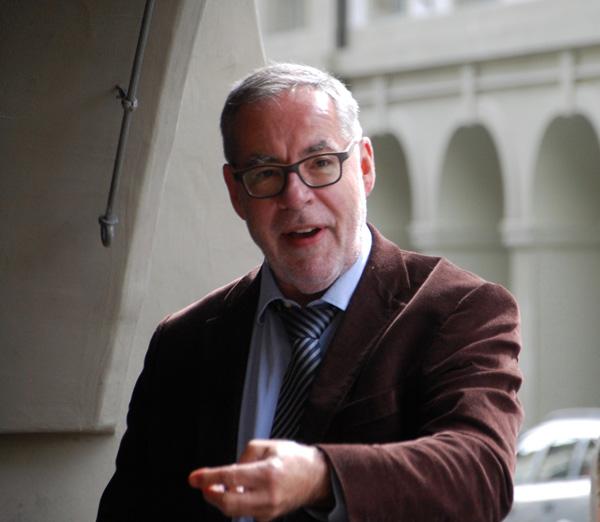 Foto Stadtpräsident Alexander Tschäppät bei seiner Rede